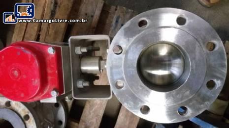 Atuador pneumático de dupla ação Bray e válvula Flow Tek